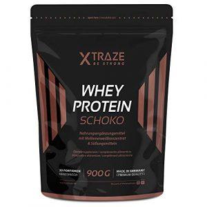 XTRAZE® Protéine de lactosérum en poudre pour Boisson Protéinée – Concentré de 900 g de lactosérum + Isolat avec BCAA, fabriqué en Allemagne, sans additifs, pour musculation et fitness (Chocolat)